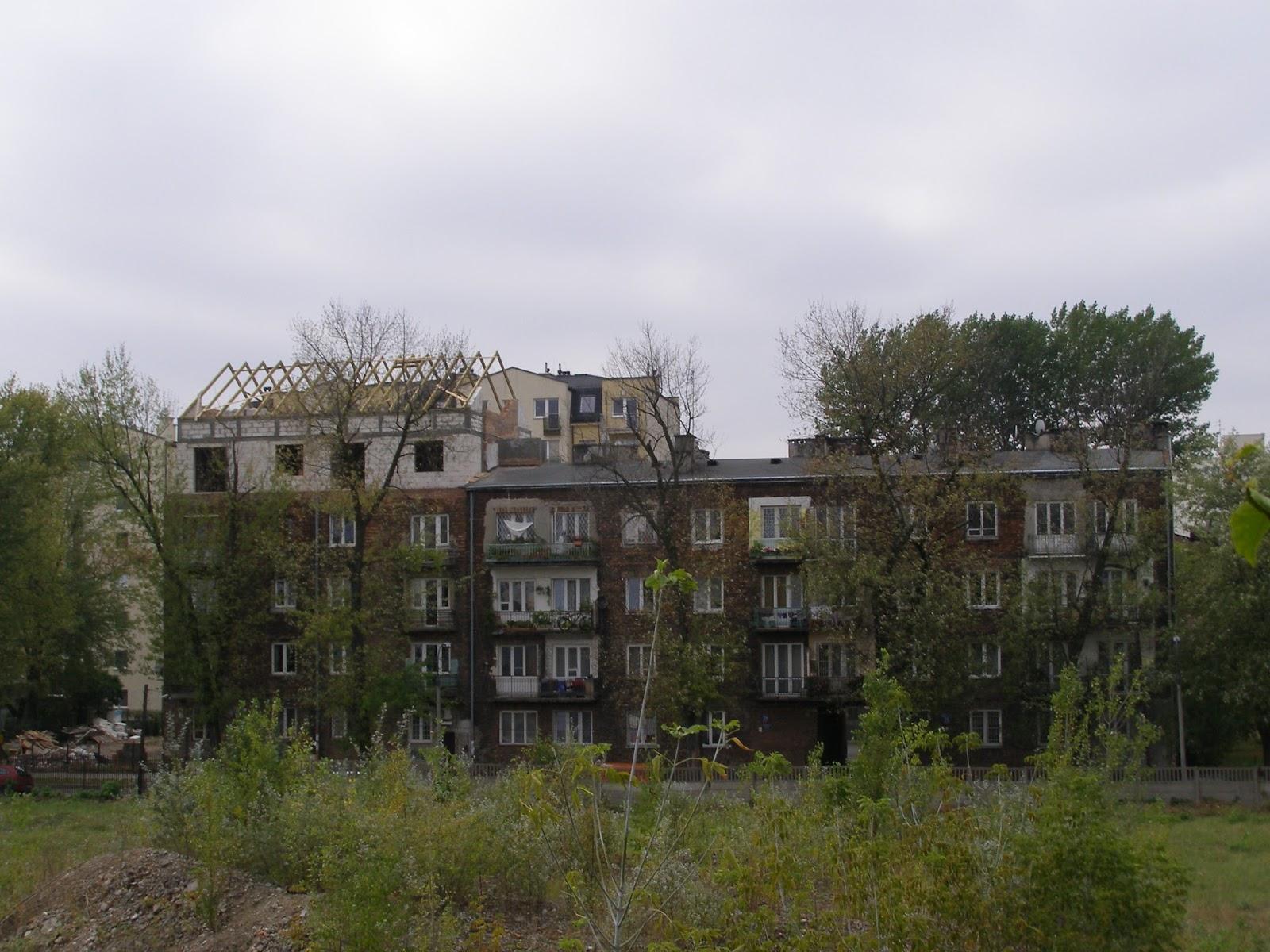 Dach jak stodoła zniszczy pierzeje ulicy Grajewskiej