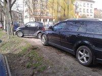 Dziki parking przy szkole muzycznej